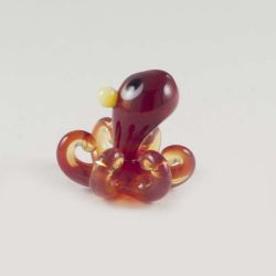 Glass Red Octopus, fig. 1